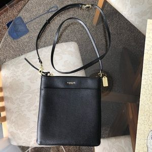 Kitt Leather Messenger Crossbody